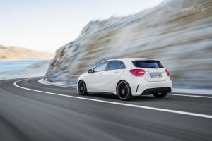 2014-mercedes-benz-a45-am-19_1600x0w