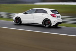 2014-mercedes-benz-a45-am-39_1600x0w
