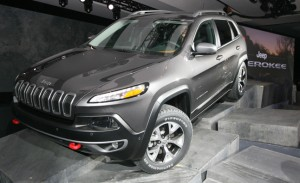 2014-Jeep-Cherokee-cover_edited-11