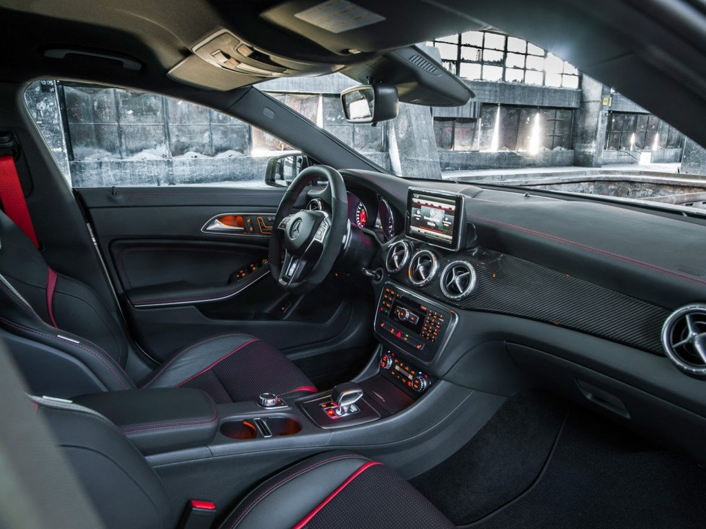New-Mercedes-CLA-45-AMG-11[2]