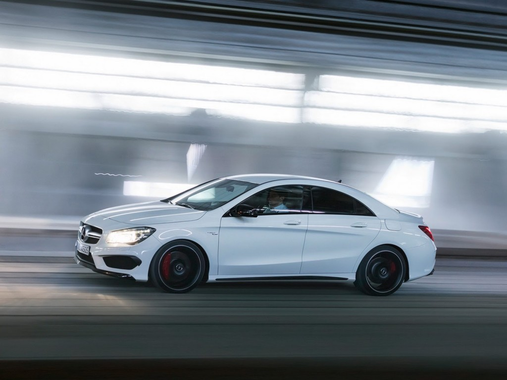 New-Mercedes-CLA-45-AMG-8[2]