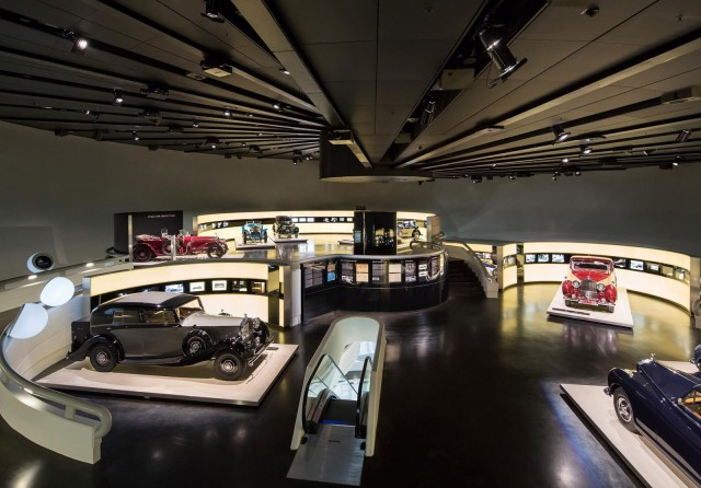 rolls-royce-exhibition-at-the-bmw-museum-in-munich-germany_100422254_m