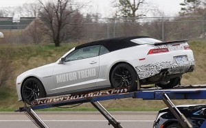 2014-Chevrolet-Camaro-ZL1-convertible-spy-shot-left-rear-1