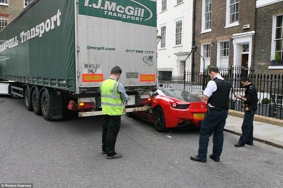 truck-makes-a-mess-of-a-ferrari-458-italia-in-london-medium_6