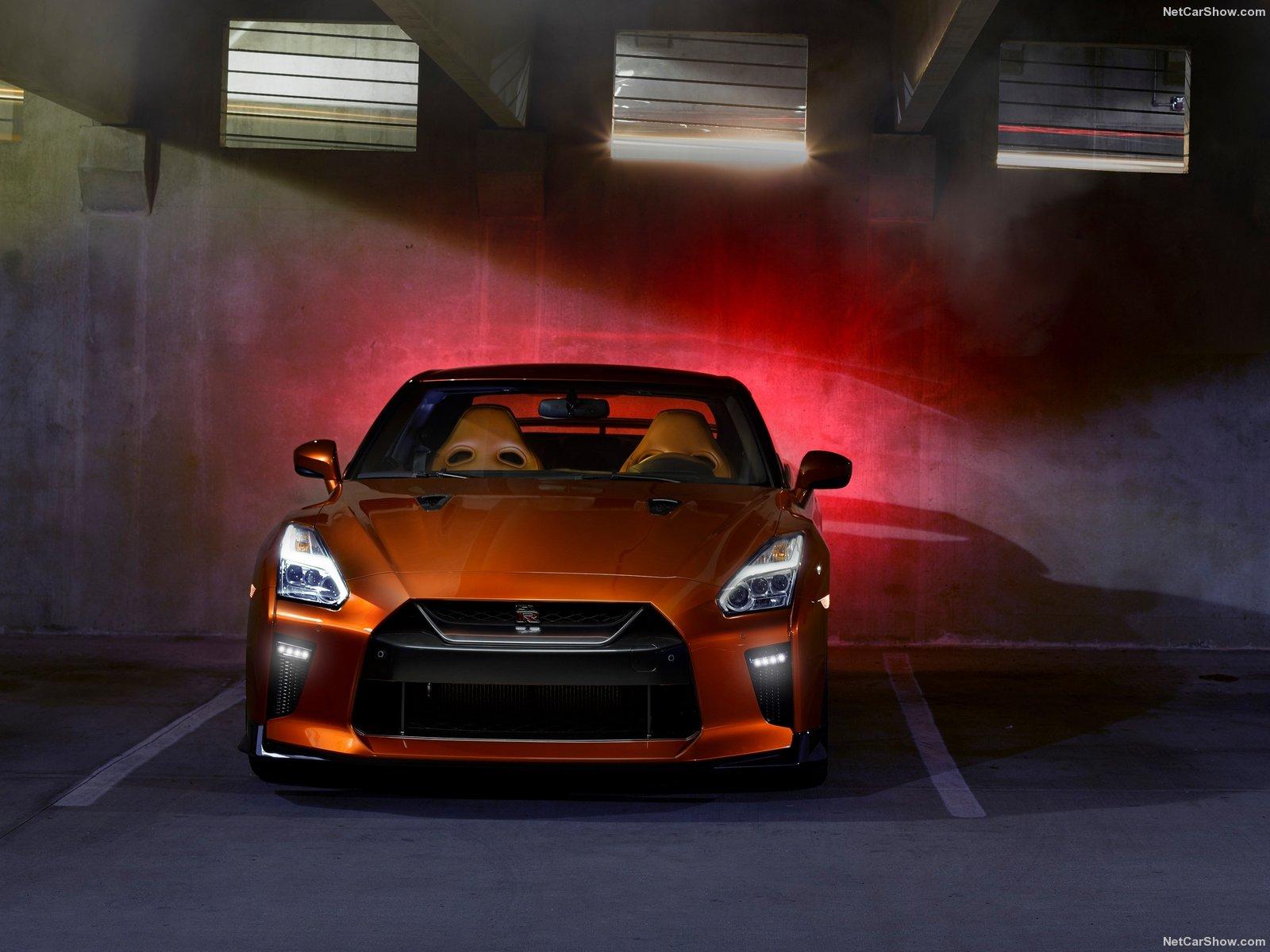 Nissan-GT-R_2017_1600x1200_wallpaper_12